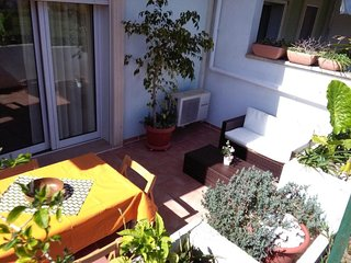 Merine Apartment Sleeps 5 with Pool Air Con and WiFi - 5829812