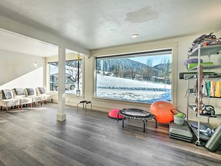 NEW! Peaceful Cabin w/Fitness Room, Mountain Views