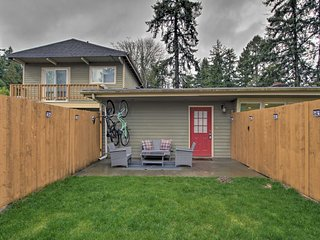 NEW! SeaTac Home w/ Private Yard - Downtown 10 Mi!
