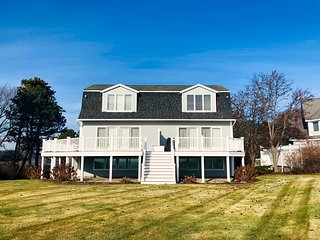 Waterfront Home, Spectacular Views, 4, Beds & 2 Baths
