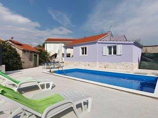 Two bedroom house Vinišće (Trogir) (K-17012)