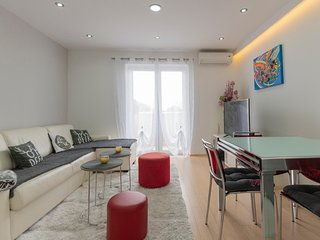 Stunning apartment in Makarska w/ WiFi and 2 Bedrooms (CDC558)
