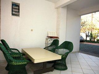Dugi Rat Apartment Sleeps 4 with WiFi - 5463373
