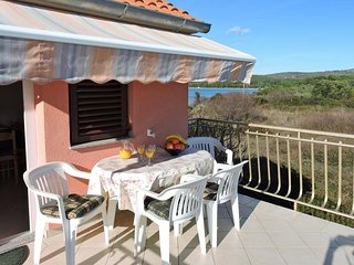 Veli Rat Apartment Sleeps 4 with Air Con - 5459326