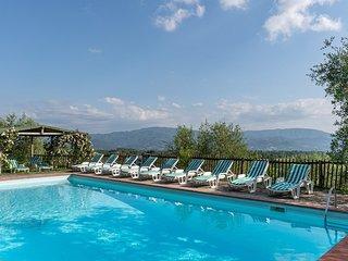 Casa Brancobalardi Villa Sleeps 16 with Pool and WiFi - 5226817