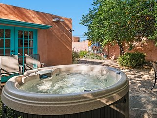 Amor - Historic Adobe in the Heart of The Railyard and Downtown Santa Fe, Hot Tu