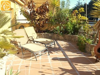 Lloret de Mar Apartment Sleeps 6 with Air Con and WiFi - 5825312