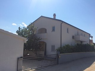 Seline Apartment Sleeps 4 with Air Con and WiFi - 5471260