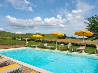 Monteroni d'Arbia Holiday Home Sleeps 18 with Pool Air Con and WiFi - 5226829