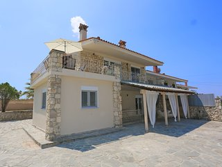 Villa Sueno - Deluxe, 3 Bdrms, View, BBQ