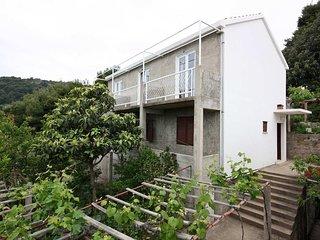 Maranovici Apartment Sleeps 2 with Air Con - 5577959