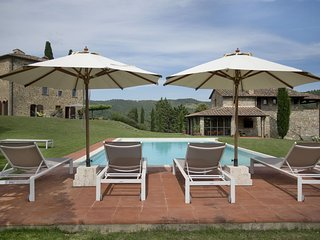 San Vincenti Villa Sleeps 12 with Pool Air Con and WiFi - 5696079