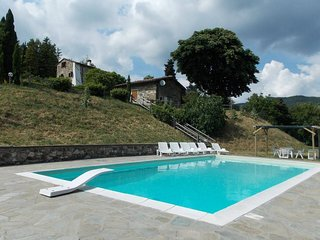 Cerliano Holiday Home Sleeps 10 with Pool Air Con and WiFi - 5227065