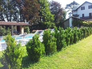 Monte Ortone Holiday Home Sleeps 10 with Pool Air Con and WiFi - 5227109