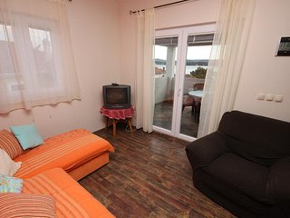 Turanj Apartment Sleeps 3 with Air Con - 5465471