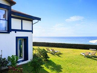 Biarritz Villa Sleeps 6 - 5820139