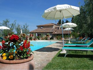San Leonino Farmhouse Sleeps 4 with Pool and WiFi - 5711220