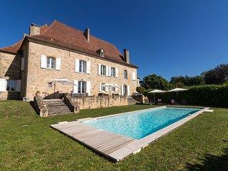 Le Bourg Villa Sleeps 10 with WiFi - 5238474