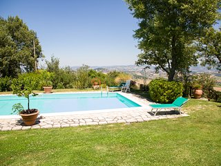 Asproli Villa Sleeps 12 with WiFi - 5238174