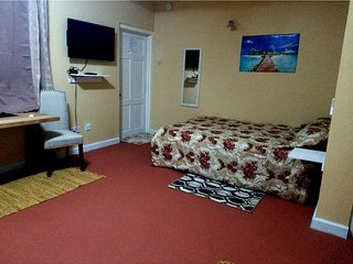 Careffe Suites Apt 3 - 5 mins from Rodney Bay Village