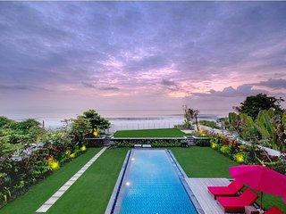 Keramas 5BR Pool Villa Beach Front - Breakfast