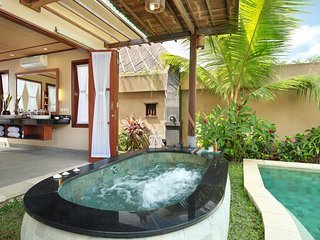 Honeymoon Suite Pool Villa - Breakfast