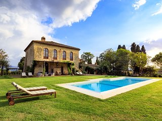 Villa Montesoli Holiday Home Sleeps 10 with Pool Air Con and WiFi - 5504538
