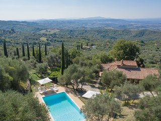 Monticello Amiata Holiday Home Sleeps 11 with Pool and WiFi - 5817615