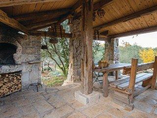 Dekovici Holiday Home Sleeps 5 with WiFi - 5471654
