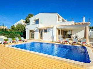 Gale de Cima Villa Sleeps 8 with Pool Air Con and WiFi - 5815822