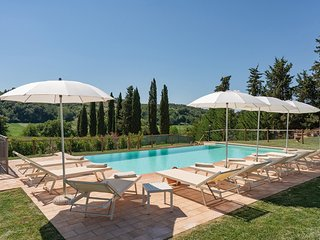 Montaperti Holiday Home Sleeps 10 with Pool Air Con and WiFi - 5813498