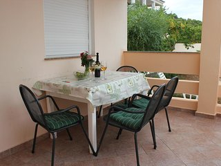 Lukoran Apartment Sleeps 4 with Air Con and WiFi - 5459826