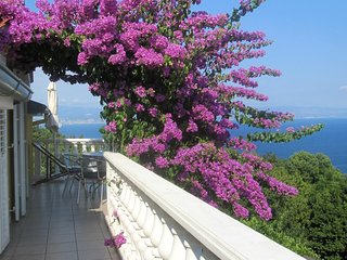 Medveja Apartment Sleeps 6 with Air Con - 5467539