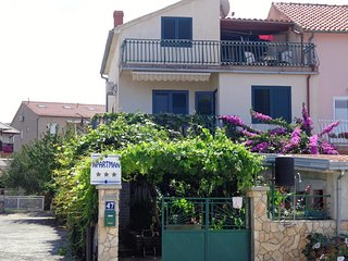 Zaboric Apartment Sleeps 6 with Air Con and WiFi - 5459941