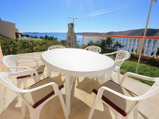 Vlasici Apartment Sleeps 6 with Air Con and WiFi - 5469417