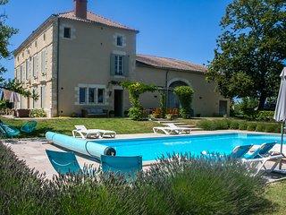 Baleyssagues Villa Sleeps 12 with WiFi - 5238487