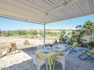 Amazing home in Sciacca w/ 2 Bedrooms (ISR256)