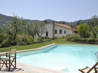 Cantagrillo Villa Sleeps 14 with Air Con and WiFi - 5238204