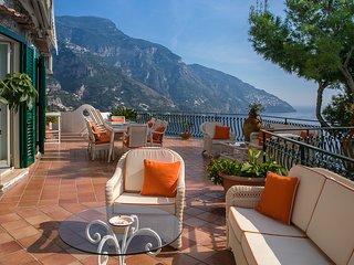 Positano Villa Sleeps 8 with Air Con and WiFi - 5238205