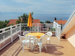 Njivice Apartment Sleeps 4 with Air Con and WiFi - 5464295