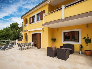 Holiday home 165357 - Holiday apartment 168585