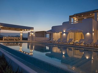 Paros Villa Sleeps 16 with Pool and Air Con - 5714100
