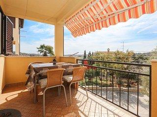 Vrsar Apartment Sleeps 5 with Air Con and WiFi - 5472382