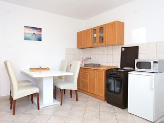 Dubrava Apartment Sleeps 3 with Air Con and WiFi - 5470610