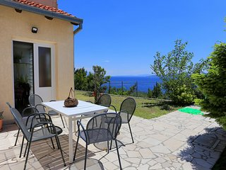 Kutlesa Apartment Sleeps 8 with Air Con and WiFi - 5460031