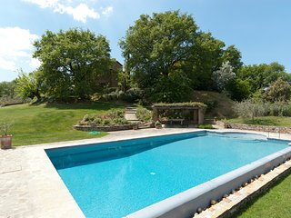 Molino del Calcione Villa Sleeps 9 with Pool and WiFi - 5238183