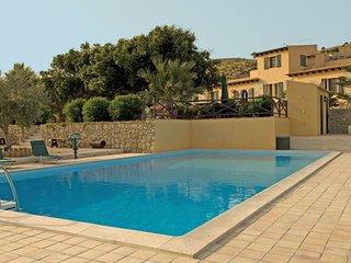 Licata Villa Sleeps 7 with Pool Air Con and WiFi - 5238310