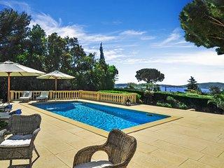 Guerre Vieille Villa Sleeps 8 with Air Con and WiFi - 5238341