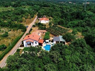Veli Turini Holiday Home Sleeps 6 with Pool Air Con and WiFi - 5810509