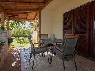 Flengi Apartment Sleeps 4 with Air Con and WiFi - 5467004